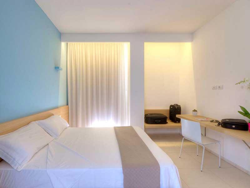Casa vacanza o albergo con il tavolo pieghevole versatile for Durata garanzia arredamento
