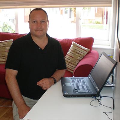 scrivania ribaltabile salvaspazio - testimonianza Derek
